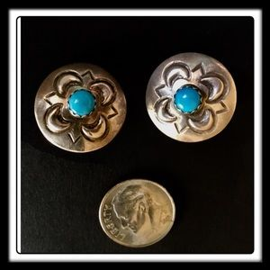 Jewelry - 🦋VTG STERLING NAVAJO TURQUOISE CLIP ON EARRINGS🦋